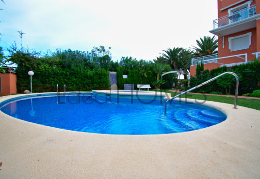 Apartment on the beach in denia_pool