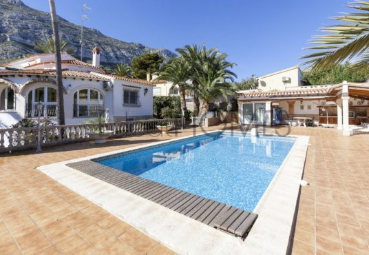 Villa à Denia Montgó_piscine