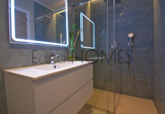 Adosados de obra nueva Dénia_baño en suite