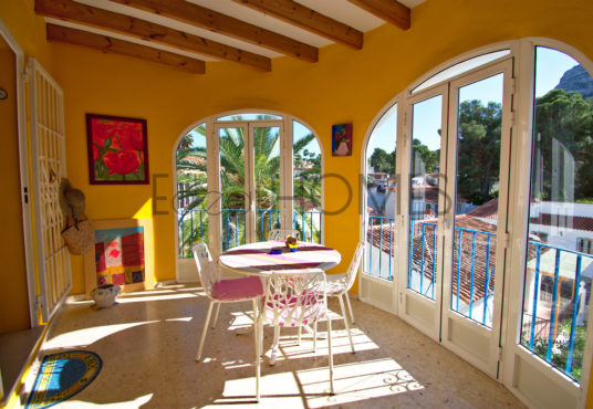 Casa a la venta en Denia_terraza acristalada