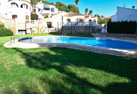 House for sale in Denia_pool and garden