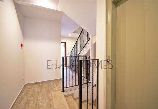 Edificio a la venta en javea-escaleras