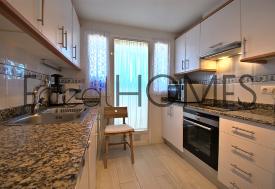 Apartamento en Dénia con vistas a la montaña cocina